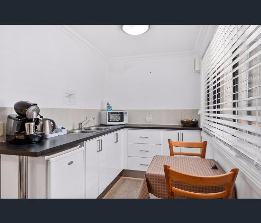 Oyster Cove, Austrália: kitchenette with expresso coffee machine