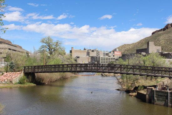 Golden, CO: Nice bridge by the river to the north of the brewery