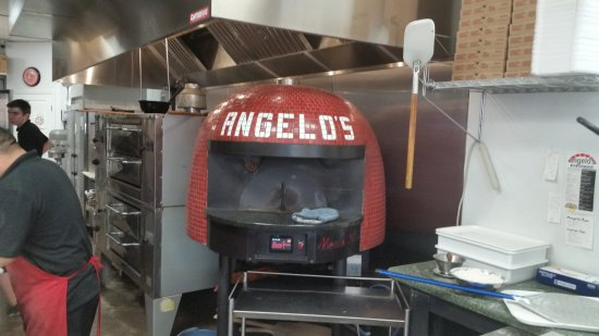 Martinsburg, WV: Angelo's Red Brick Pizza