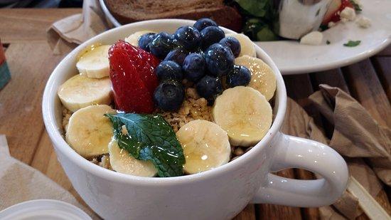 Acai Bowl Honolulu Coffee