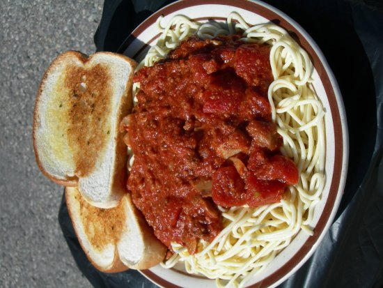 Gusher Pizza and Sandwich Shoppe: All You Can Eat Spagetti on Wednesday Nights