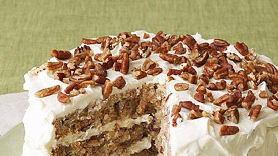 Smyrna, TN: Old Fashioned Hummingbird Cake