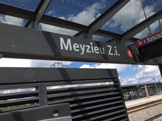 Meyzieu, France: Current tram station