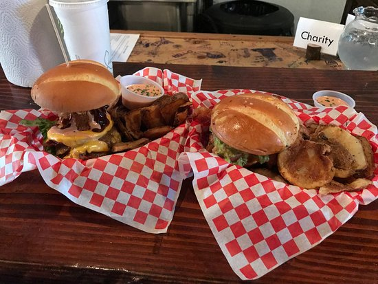 Seven Brothers Burgers: photo0.jpg