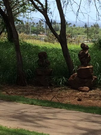 Maui Nui Golf Club : I don't know what these stones sculptures are about, but they are interesting.