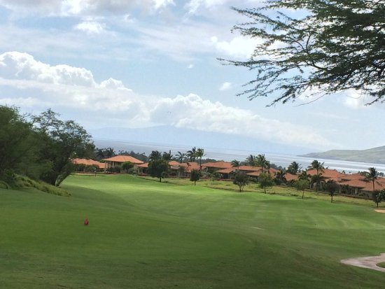 Maui Nui Golf Club : More sea views from the 18th tee box.