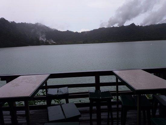 Томохон, Индонезия: Pemandangan dari restaurant D'linow