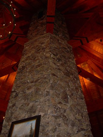 Tabernash, CO: Beautiful fireplace!