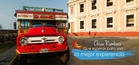 Tours en Islas del Rosario: chiva rumbera cartagena