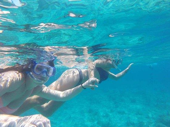 Cape Santa Maria Beach Resort & Villas: Snorkeling Tours leave daily!