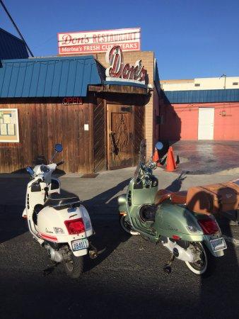 Soap Lake, Ουάσιγκτον: Classic Bikes at a Classic Steakhouse!