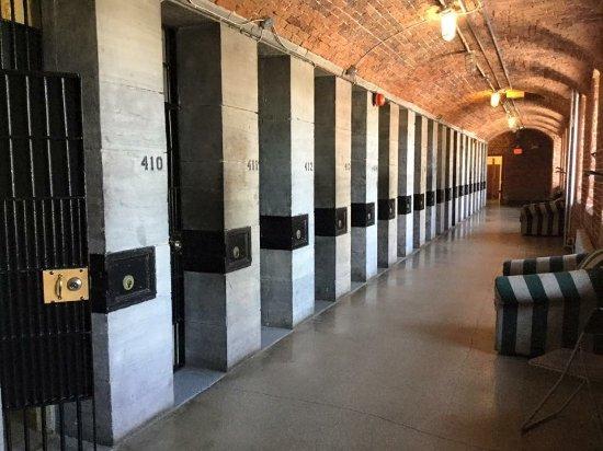 HI Ottawa Jail Hostel: 1495242831201_large.jpg