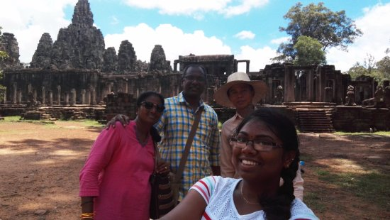 Siem Reap Private Day Tours : With our guide Mr.Em Un