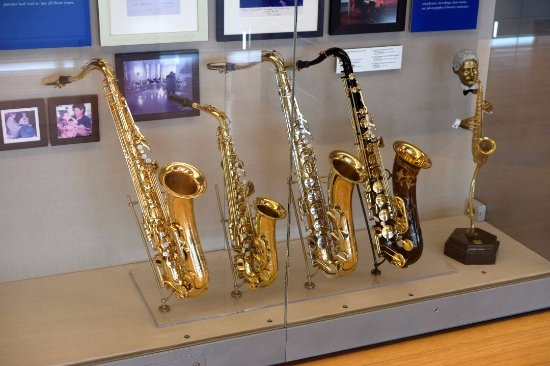 William J. Clinton Presidential Library: Saxophones