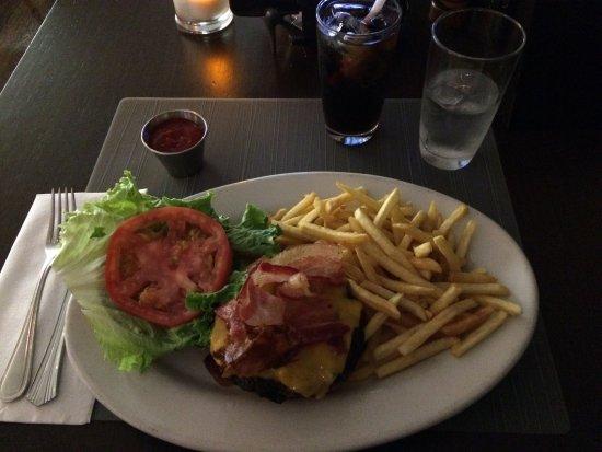 East Elmhurst, NY: Overpriced lunch