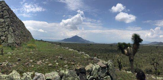 Cantona Archaeological Ruins : Volcán