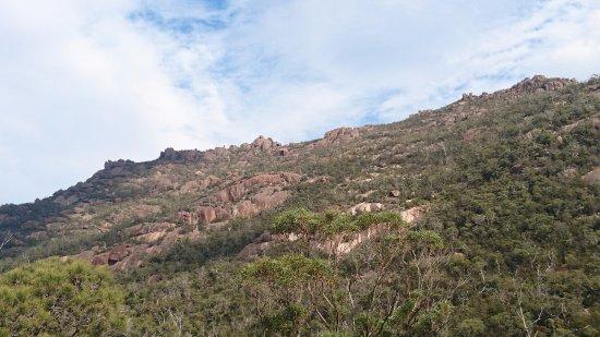 Coles Bay, Αυστραλία: 半島中心部の山並み
