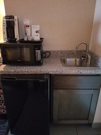 Hampton Inn & Suites Fredericksburg: Kitchenette