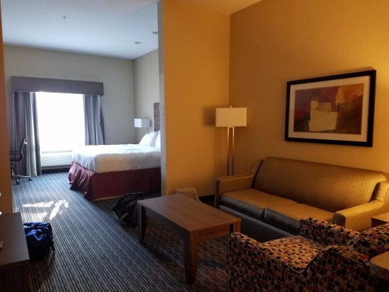 Hampton Inn & Suites Fredericksburg: Wonderful King Suite!