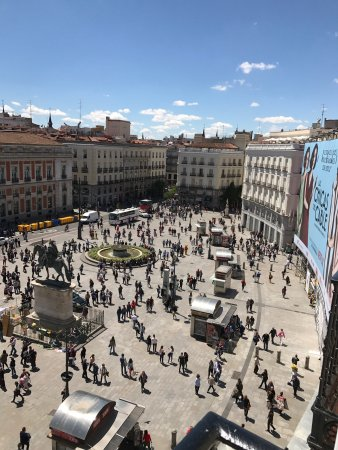 Photo de puerta del sol madrid tripadvisor for Puerta 53 bernabeu
