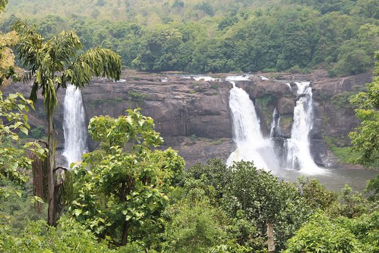 Athirappilly Waterfalls: full view of water falls