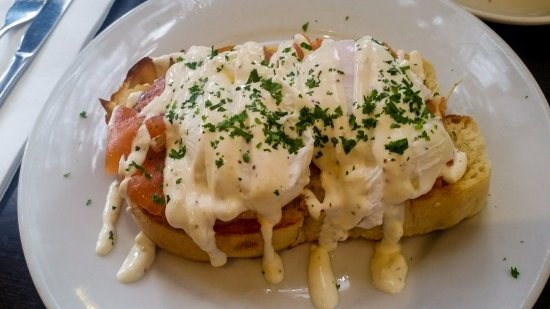 Zest Cafe Gallery : Poached egg special