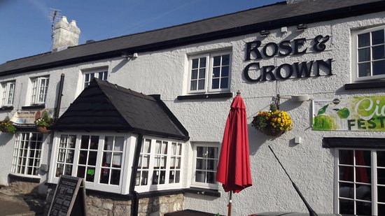Rose and Crown Public House Photo