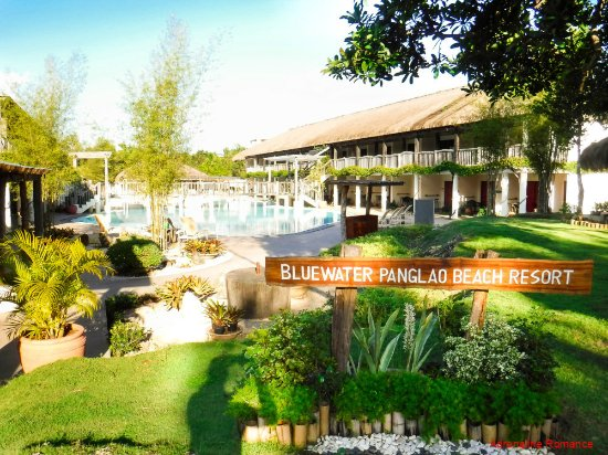 Bluewater Panglao Beach Resort: Open-air reception area