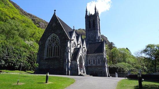 Kylemore, Irlandia: L'église construite par le propriétaire en mémoire de sa femme