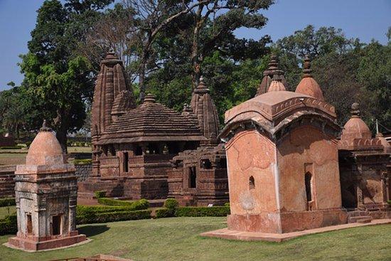 Ancient Temples of Kalachuri: Ancient temples in Amarkantak
