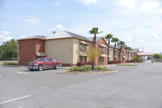 Mulberry, FL: side hotel