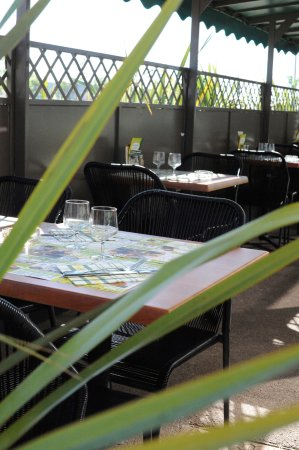 Rivesaltes, France: sympa la terrasse......