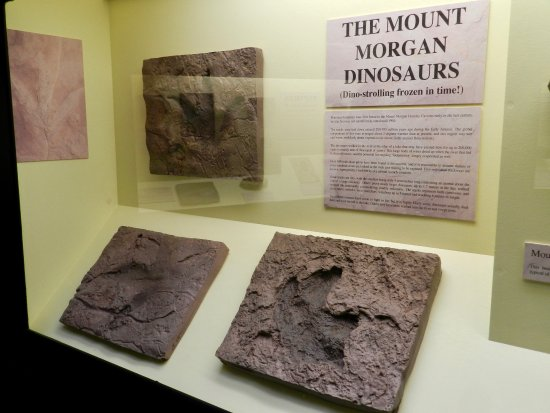 Rockhampton, Austrália: Mount Morgan dinosaurs