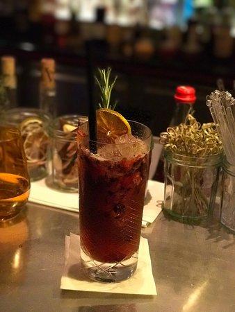 SaarLouis, Alemania: Die Bar ist hervorragend. Individuelle Cocktails und entsprechende professionelle Beratung. Sehr