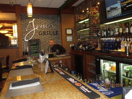 Southington, CT: bar