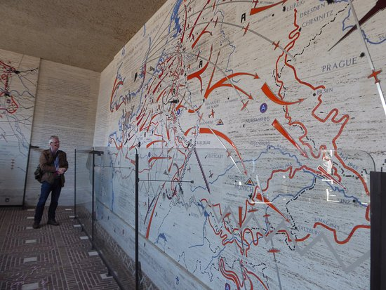 Our guide explains the map of combat movements Picture of