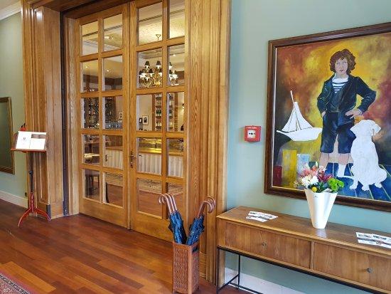 Marrol's Boutique Hotel Bratislava: Вход в ресторан где проходят завтраки