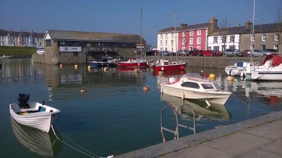 Aberaeron, UK: Our beautiful harbourside location