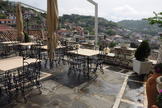 Terrazza ristorante - Picture of Hotel Vila Aleksander, Berat ...