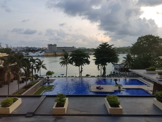 Cinnamon Lakeside Colombo : 20170517_062244_large.jpg