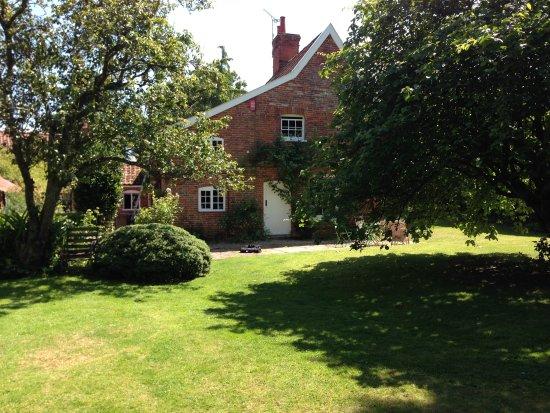 Snape, UK: getlstd_property_photo