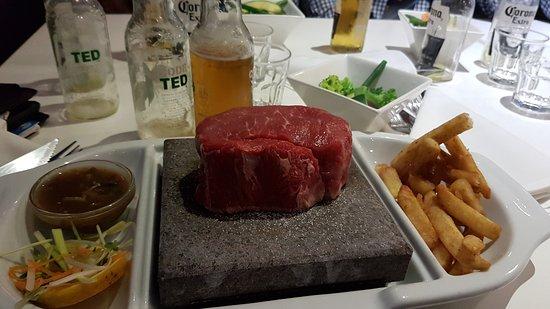 Nowra, Australien: Lovely Scotch fillet steak on the rocks