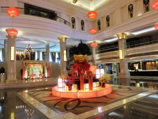 Yuyao, China: Lobby