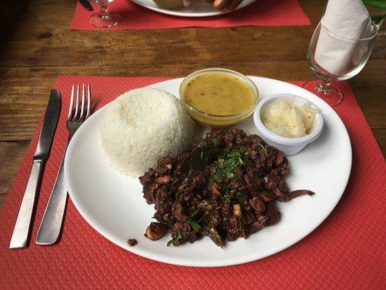 Saint-Paul, Ilhas Reunião: Civet zourite c'était bon. J'ai bien mangé