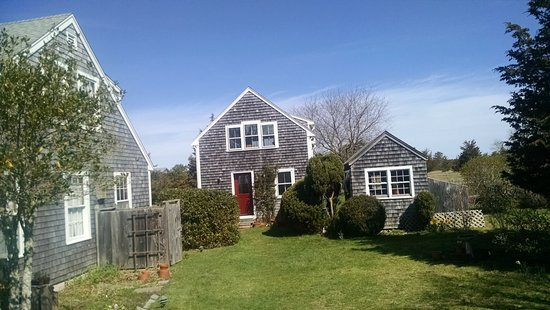 West Tisbury, MA: The center building is the B&B.