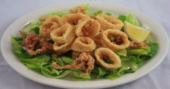 Tsobos Garden Grillhouse : delicious fried calamari
