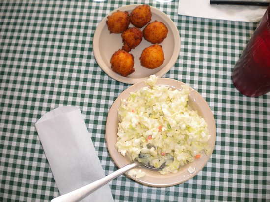 Burns, TN: Hush puppies and slaw