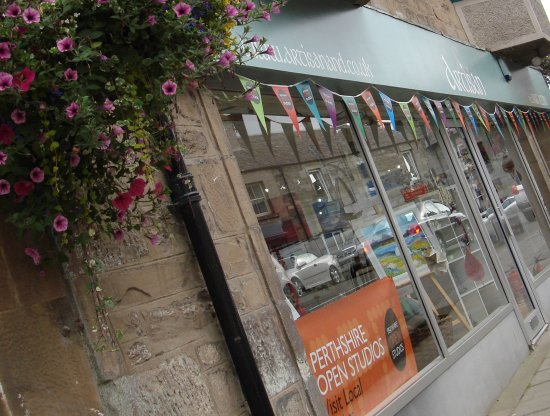 Aberfeldy, UK: The bunting out for Perthsire Open Studio's