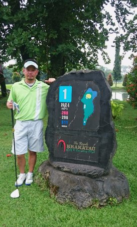 Cilegon, Indonesia: Me getting ready to tee off