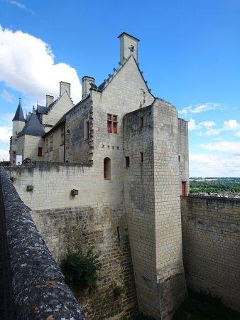 Forteresse royale de Chinon: Le chateau